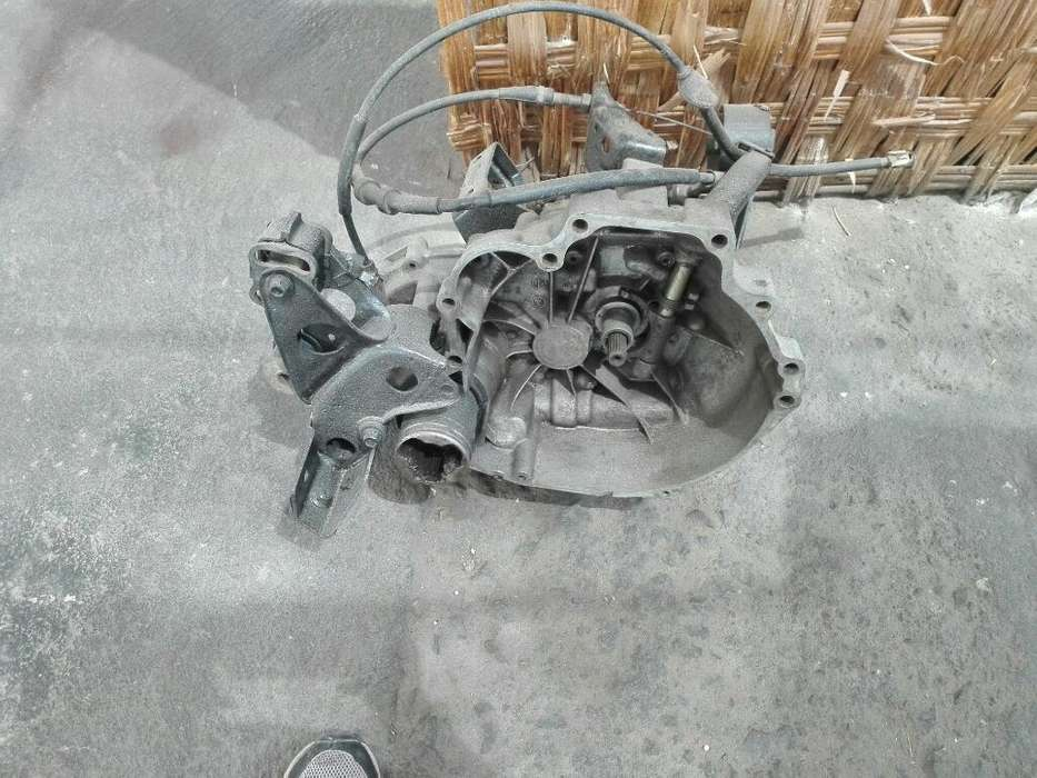 Caja Mecanica Nissan Cd17