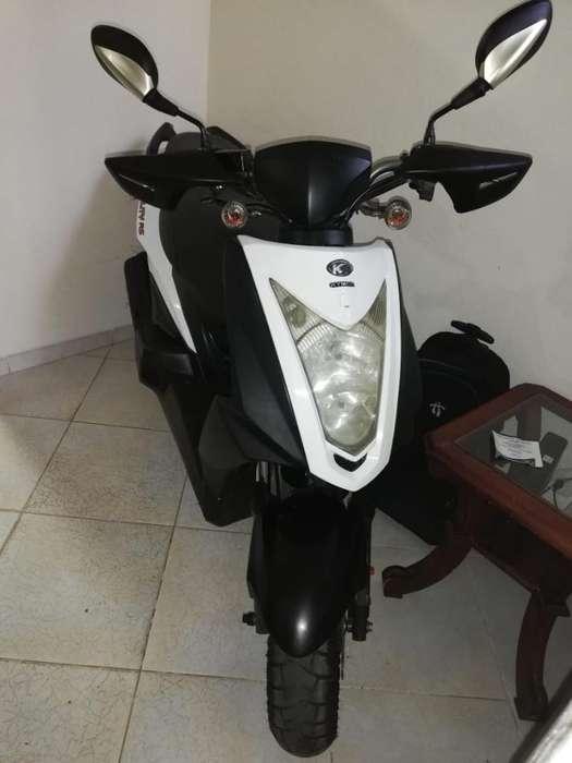 Moto Gility Blanca