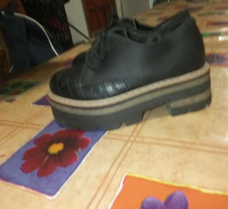 Zapatos de Nena Talle 26 /7 Muy Poco Uso