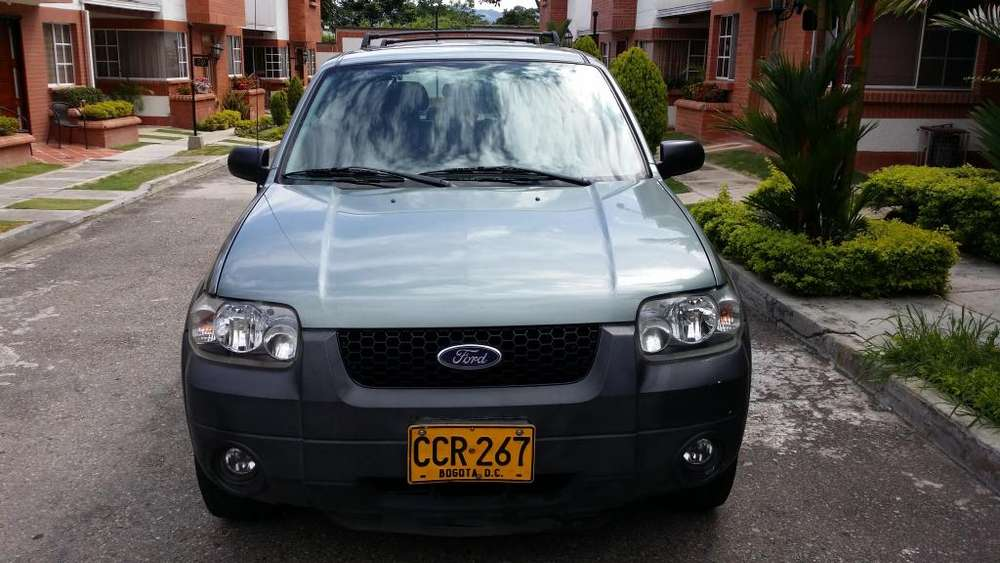 Ford Escape 2007 - 170000 km