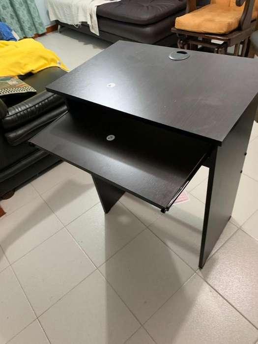 Vendo Mesas para Computadores Tengo 6
