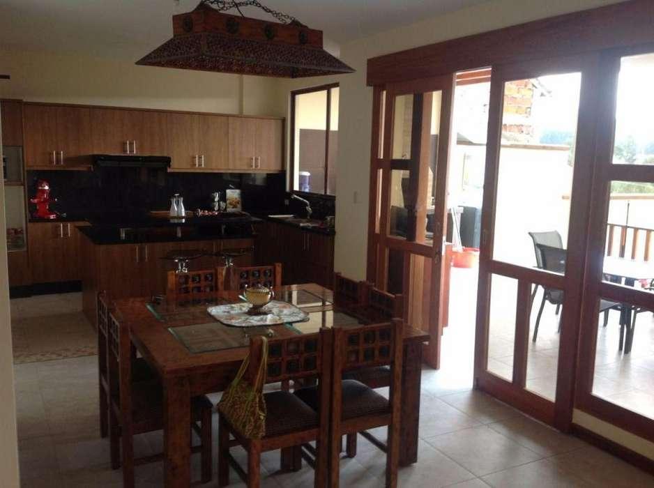 Sangolquí, casa en venta, 4 habitaciones, 260 m2