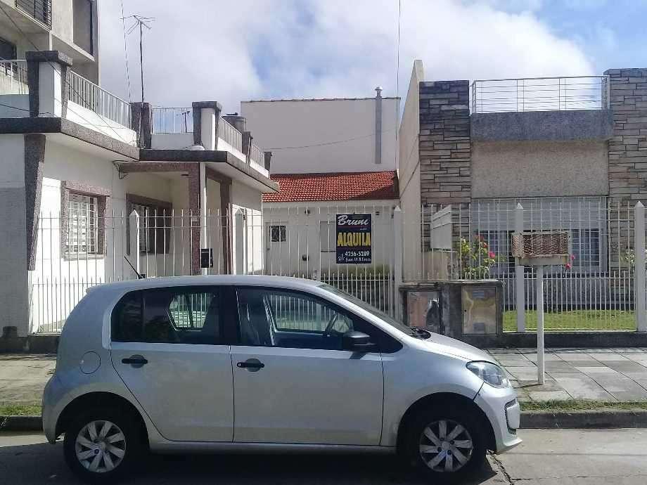 Casa PH en alquiler en Ezpeleta Este
