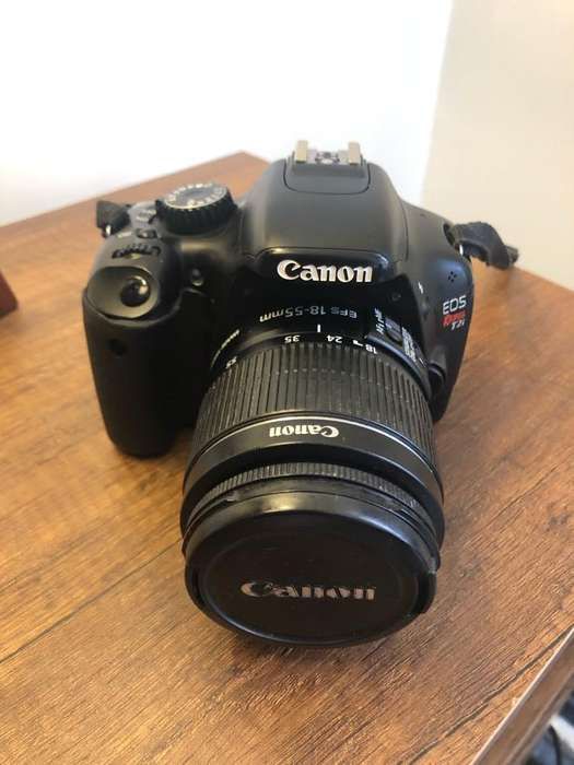 Camara Canon Rebel T2I