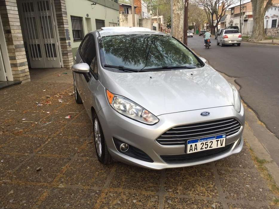 <strong>ford</strong> Fiesta Kinetic Sedán 2016 - 55000 km