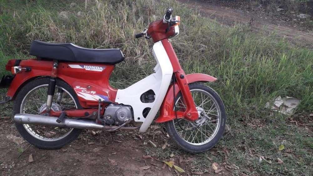 Vendo moto 3165045415 solo wasapt