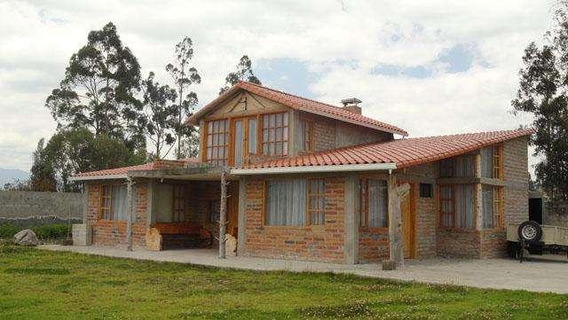 Venta de casa en Otavalo al filo del Lago San Pablo