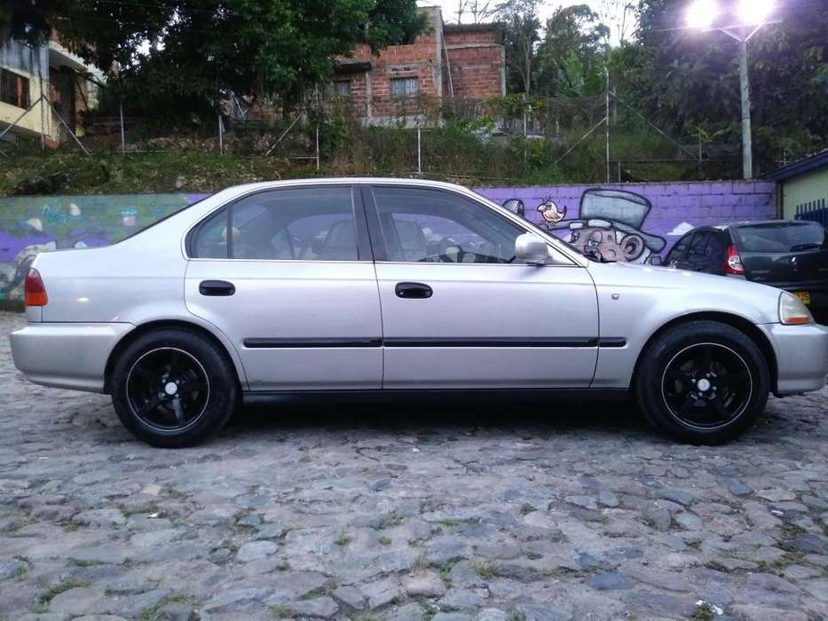 Honda Civic 1997 - 175570 km