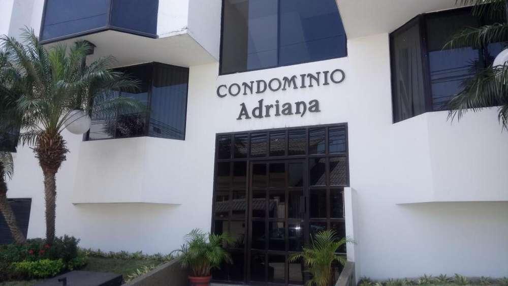 Alquilo amplio Departamento en Santa Cecilia, Los Ceibos