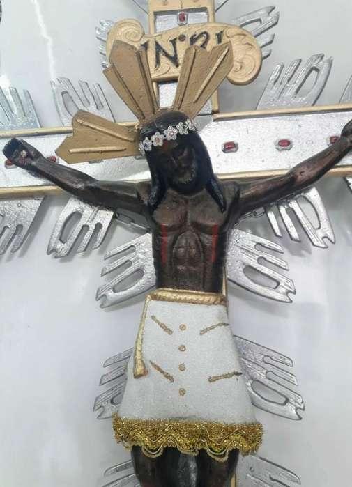 Cristo Señor de Los Milagros Grande