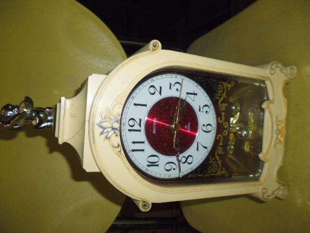 reloj antiguo funciona una parte la del reloj hay que repararla 3122802858