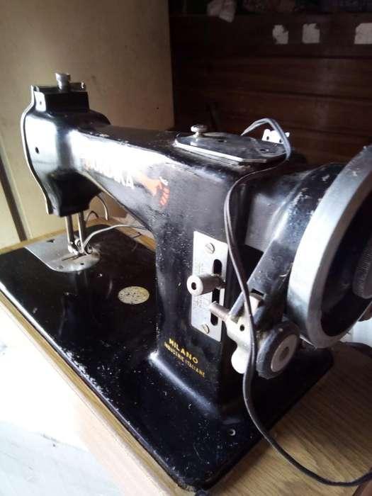 Maquina de Coser Eléctrica