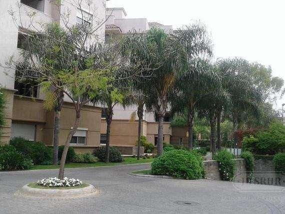Dueño vende Cochera - Village Plaza