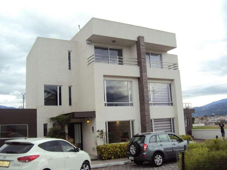Se vende casa178.61m2 Const 364.32 m2 de Terr. LOS CHILLOS
