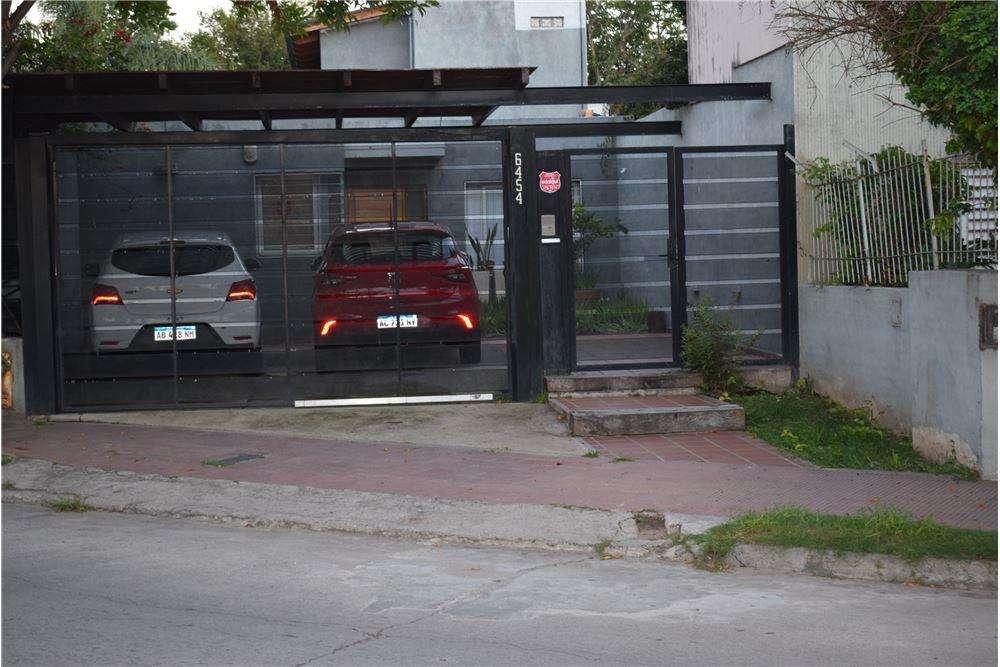 CASA 3 DORM. PILETA, GRANJA DE FUNES