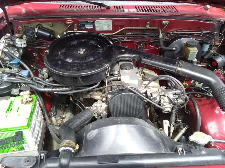 Se Vende Camioneta Mazda B 2200 Md 1997