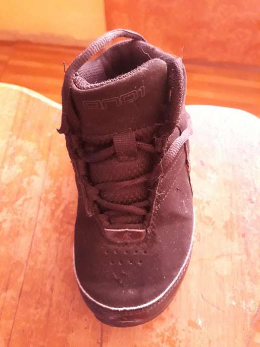 da8d1a43 Zapatos de nino usados: Ropa y Calzado en venta en Pichincha   OLX