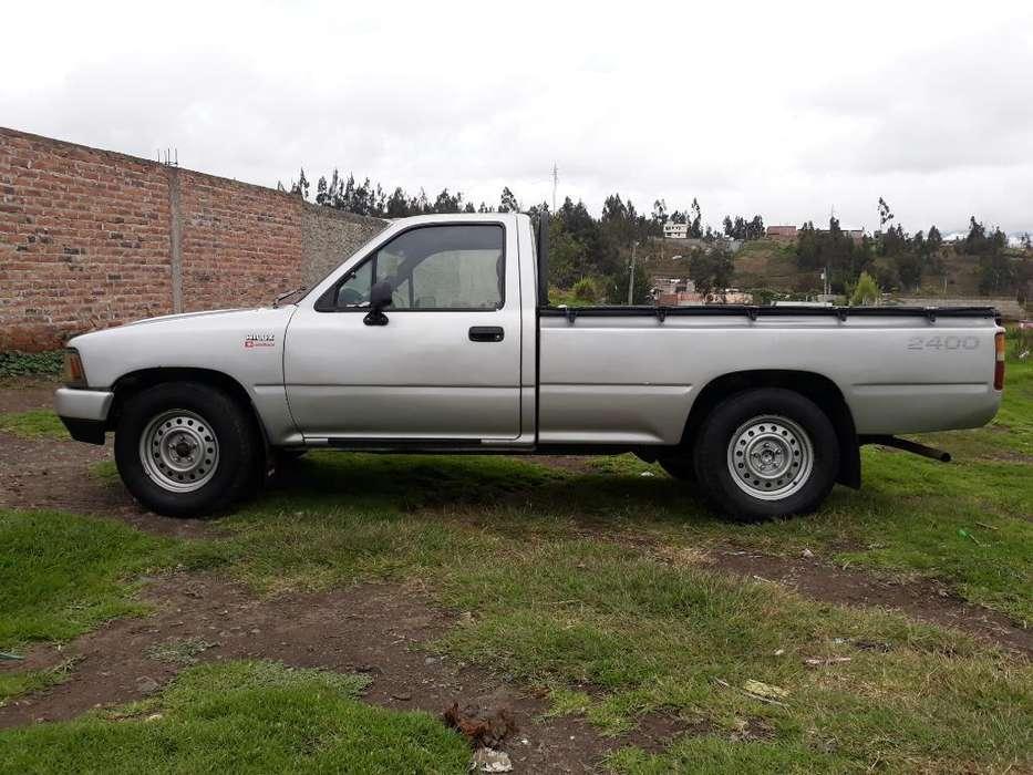 Toyota Hilux 1999 - 330000 km