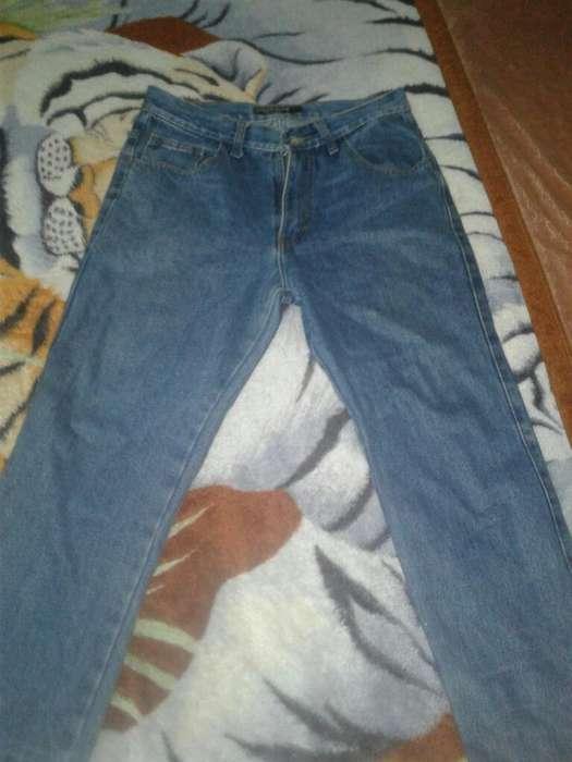 Jean Color Azul en Buen Estado