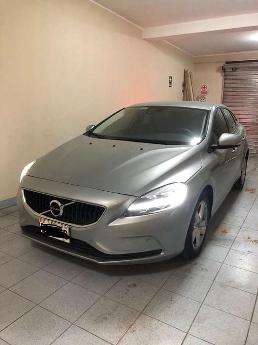 <strong>volvo</strong> V40 2018 - 4500 km