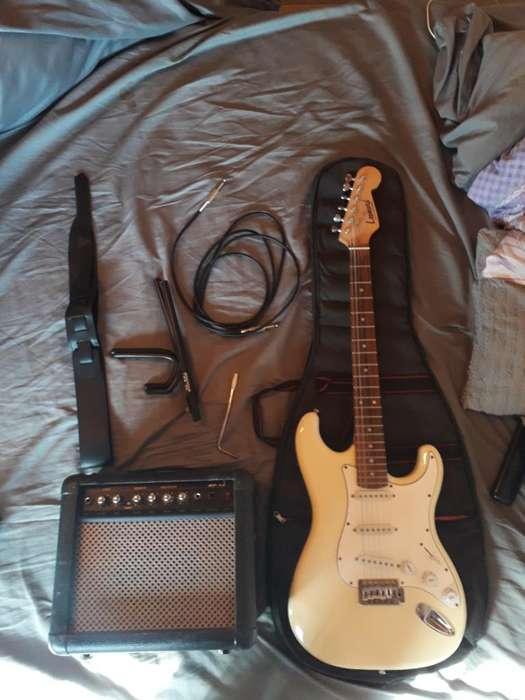 Guitarra Eléctrica Stratocaster C Amplif