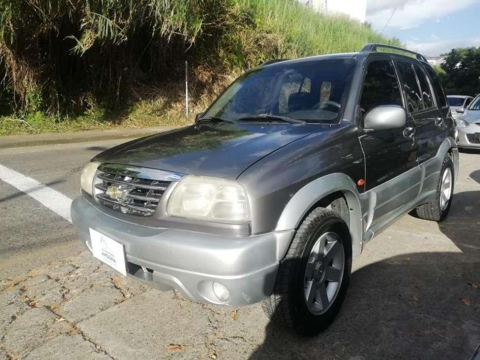 Chevrolet Grand Vitara 2004 - 181200 km