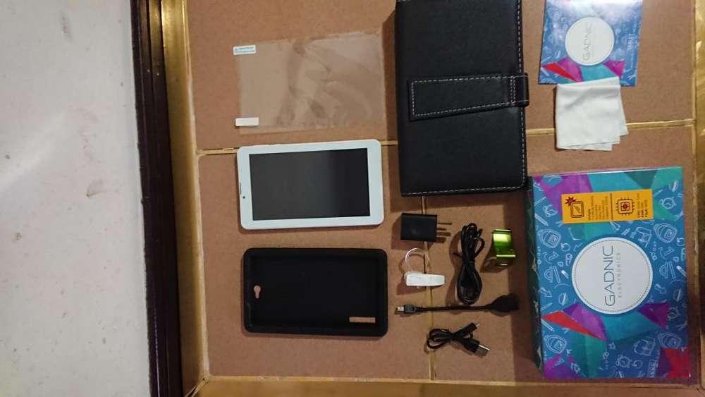 Tablet GADNIC 7 pulgadas 16gb 1 RAM 4 nucleos con teléfono manos libres teclado funda de silicona glass caja