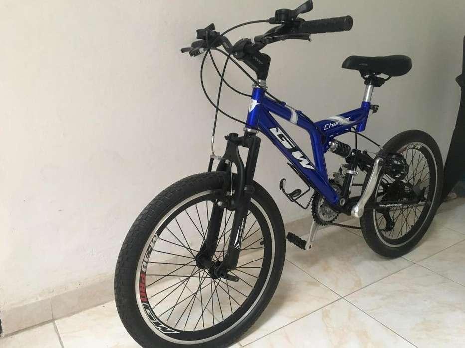 Vendo bicicleta Todoterreno GW Charger M-30 con cambios Excelente estado Precio Negociable!!!