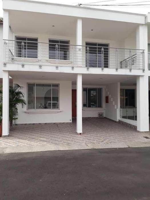 Casa En Arriendo En Cúcuta Av. Libertadores, Prados Ii Cod. ABHCI-1388