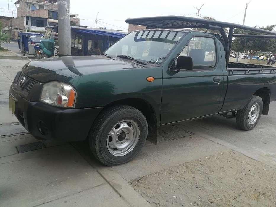 Nissan Frontier 2011 - 130000 km