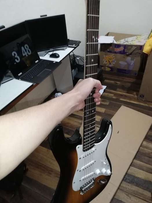 Guitarra Eléctrica Nueva Fender