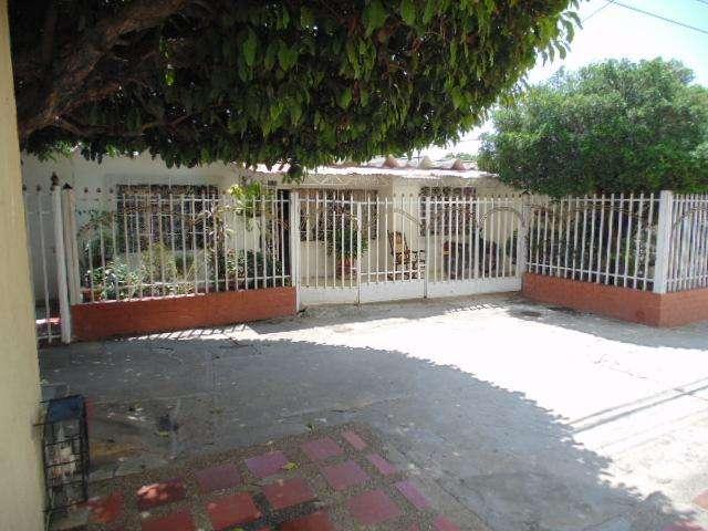 CASA GRANDE EN EL BARRIO SICARARE (Valledupar)