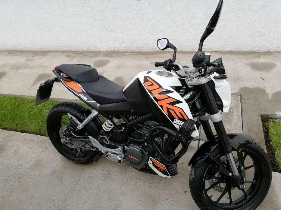 Ktm Duke 200, Como <strong>nueva</strong> 2014