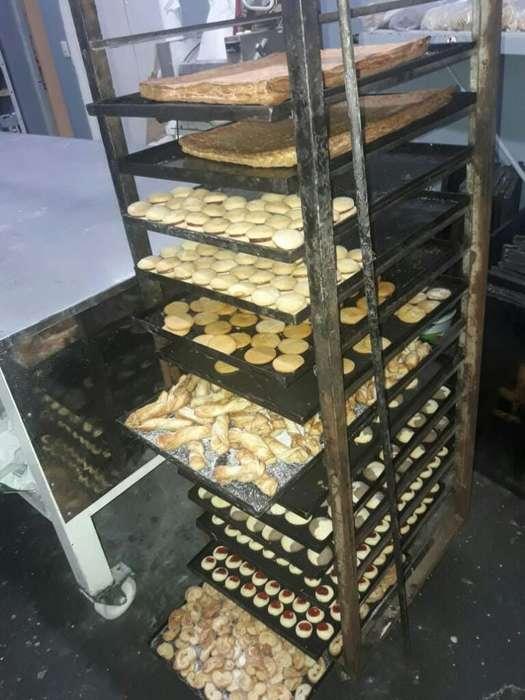 Busco Empleo de Panadero O Pastelero