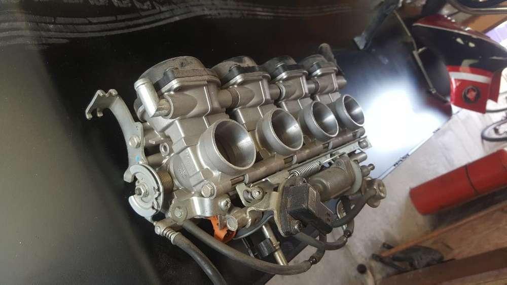 Carburadores Inyección de Yamaha R1
