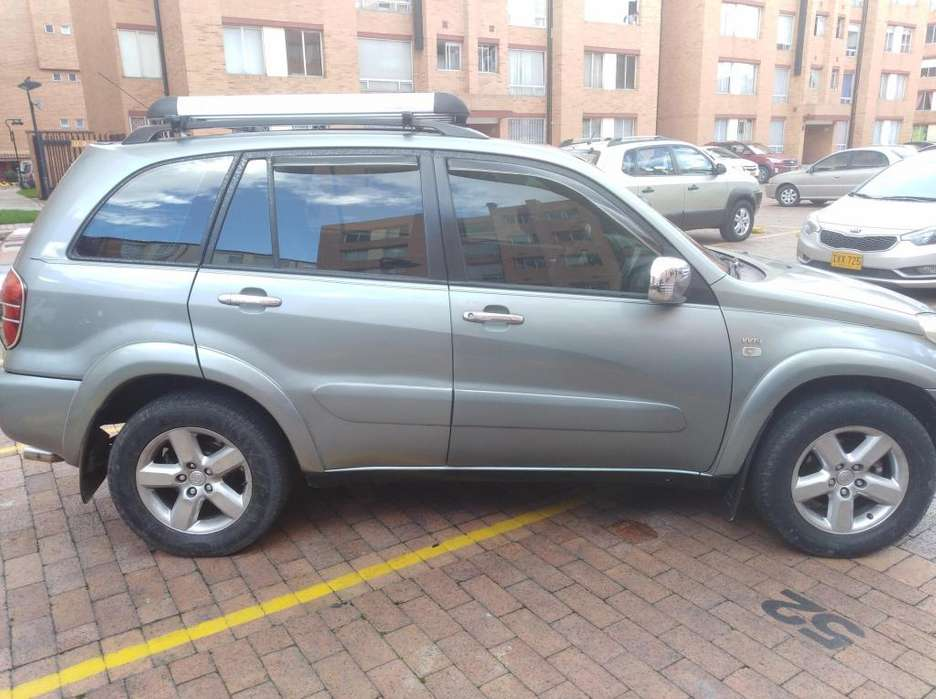 Toyota RAV4 2006 - 185000 km