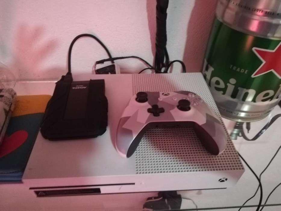 Xbox One S Meló con Su Caja