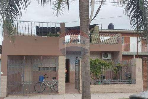 Casa en venta en zona Norte, 2 d., cochera y patio
