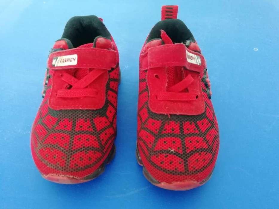 Tenis Spiderman con Luces. Talla 23