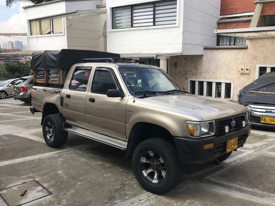 Toyota Hilux 1993 - 160000 km
