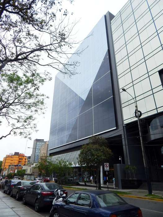 Parque Plaza: planta completa de 1,188 m2, totalmente implementada, lista para su uso.