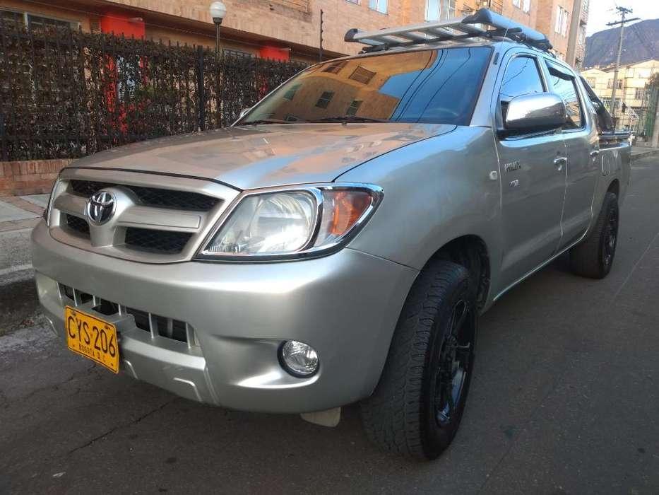 Toyota Hilux 2008 - 79000 km