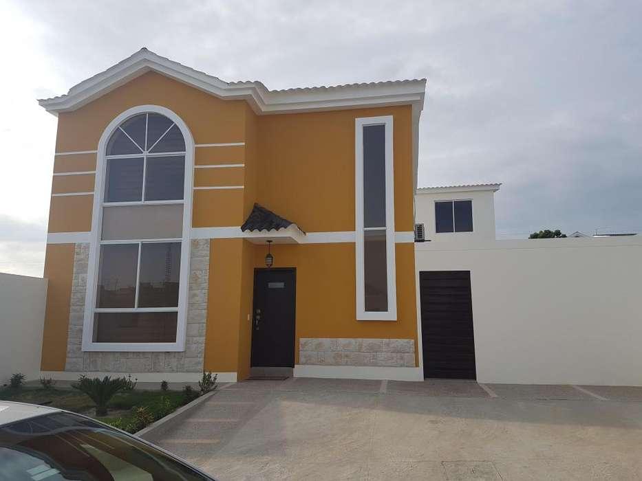 Venta de Casa en Conjunto Habitacional