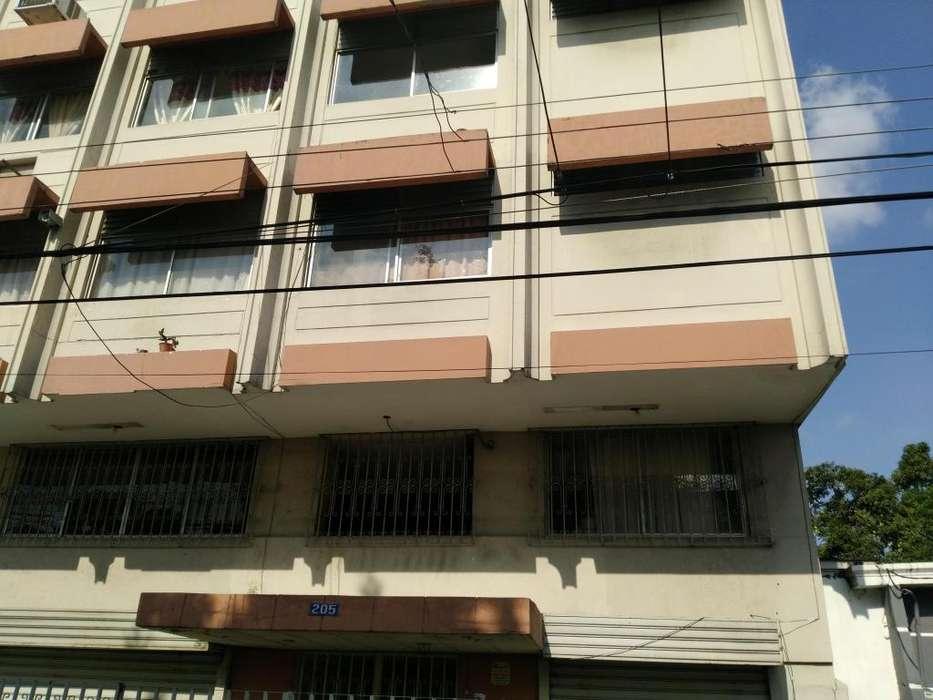 <strong>edificio</strong> en venta Parroquia Urdaneta
