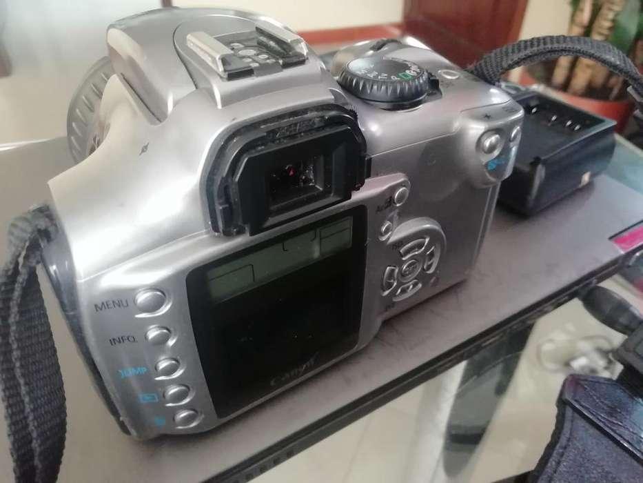 Canon Eosdigital con <strong>accesorios</strong>