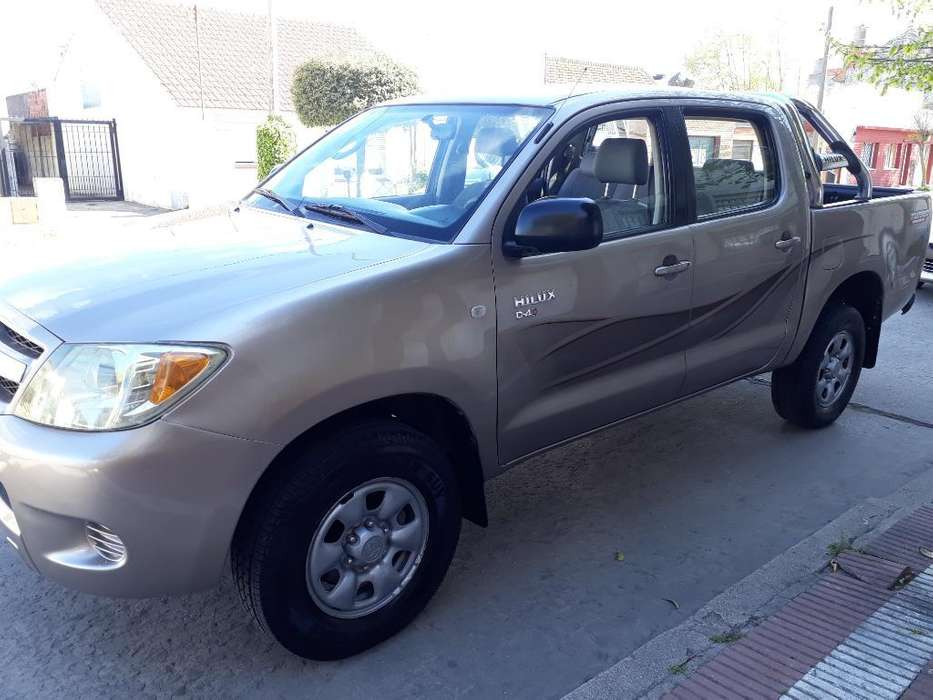 <strong>toyota</strong> Hilux 2006 - 225000 km