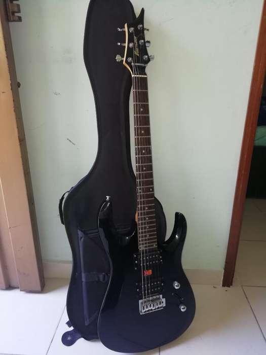 Vendo Guitarra Eléctrica con Estuche