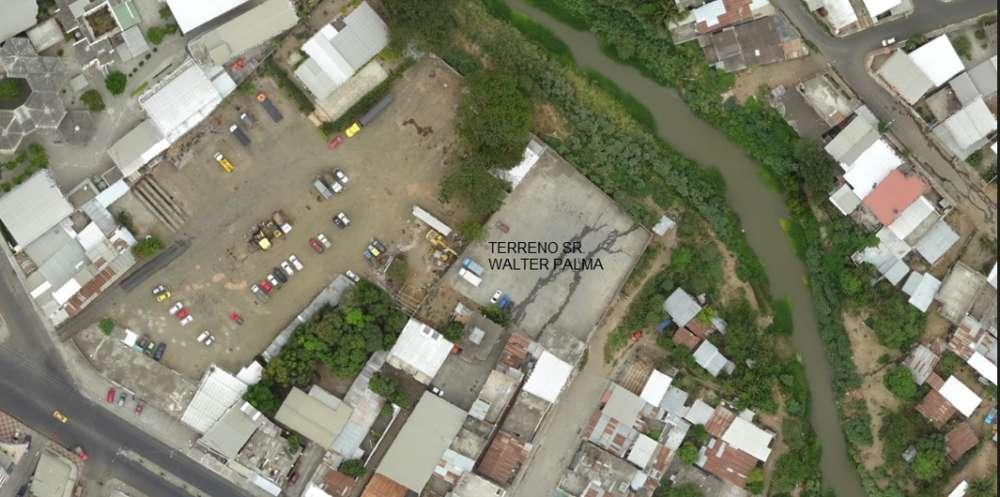Venta de terreno en Av. del Ejercito - Portoviejo - Manabi