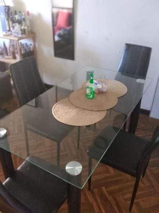 Comedor de Vidrio C/sillas de Cuero Negr