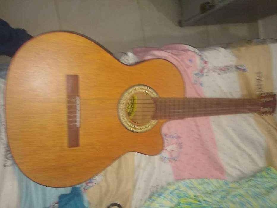 Vendo <strong>guitarra</strong>